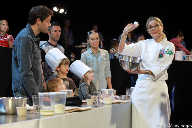 Waylynn Lucas teaches kids to make donuts at All-Star Chef Classic