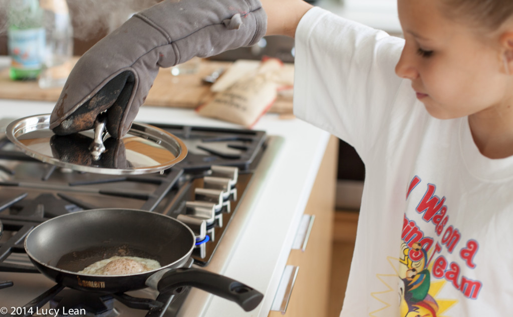 lifting lid off pan