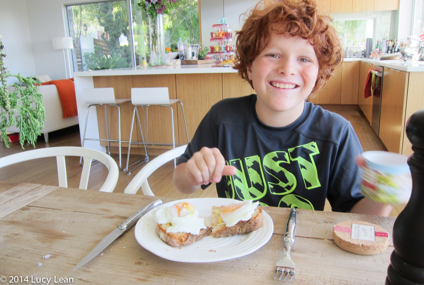 remy with his poached eggs