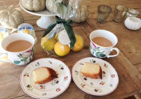 lucy's lemon drizzle cake and tea